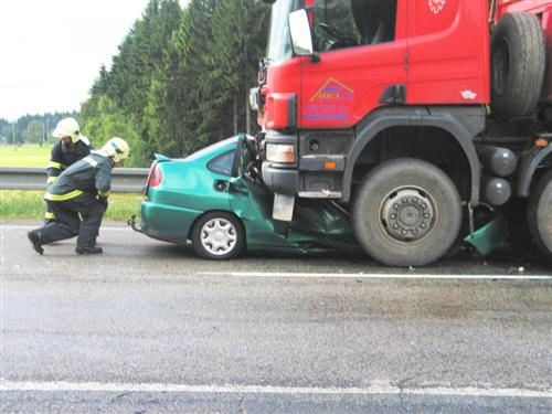 Crash camion voiture